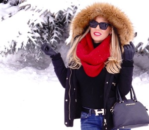 Park City Utah for Sundance is one of my favorite places to go every year! The white winter land is a great backdrop for some eye popping looks...such as the fun look.