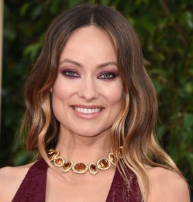 olivia-wilde-red-eyeshadow